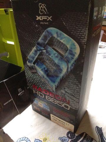 Placa de Vídeo AMD Xfx HD 6850 1Gb GDDR5 - Foto 3