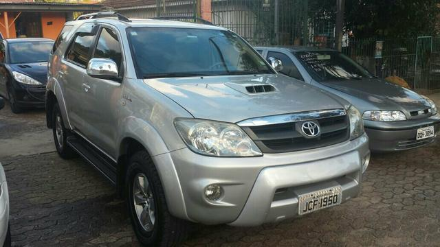 TOYOTA HILUX SW4 4X4 3. 0 COMPLETA AUTOMÁTICA A DIESEL ANO 2006