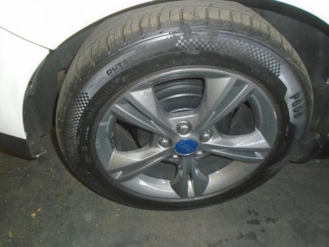 Ford Focus SE 1.6 Branco - Foto 8