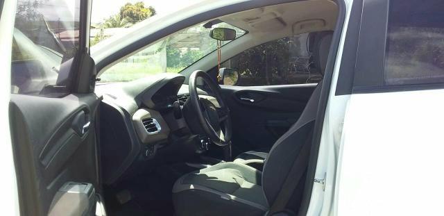 Vende-se carro Sedan ótimo estado de conservação. - Foto 2