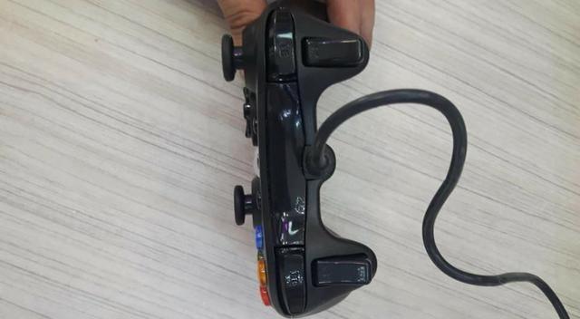 Controle Com Fio Para Xbox 360 Slim / Fat E Pc Joystick - Foto 4