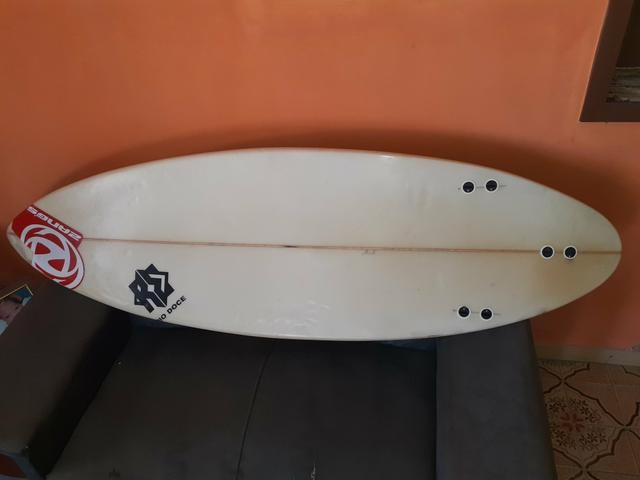 IMPERDÍVEL Prancha de surf R$300,00