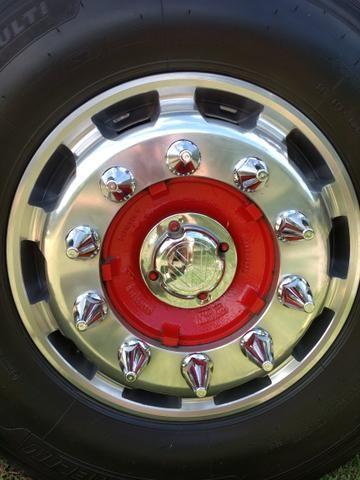 06 rodas de alumínio speedline 1.000.00 cada uma