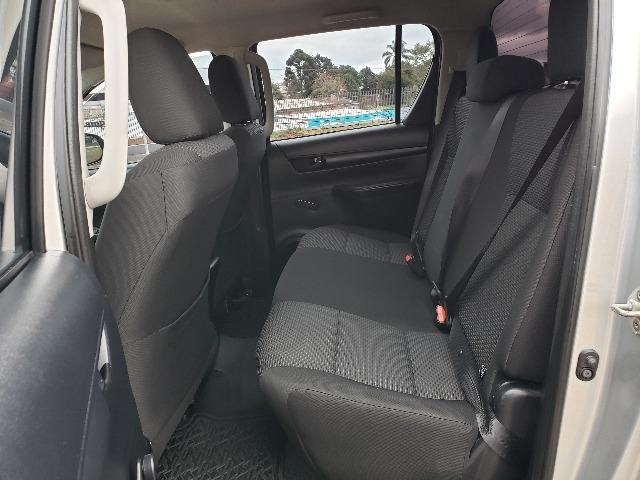 Toyota Hilux STD 2.8TDi 4x4 - Foto 13