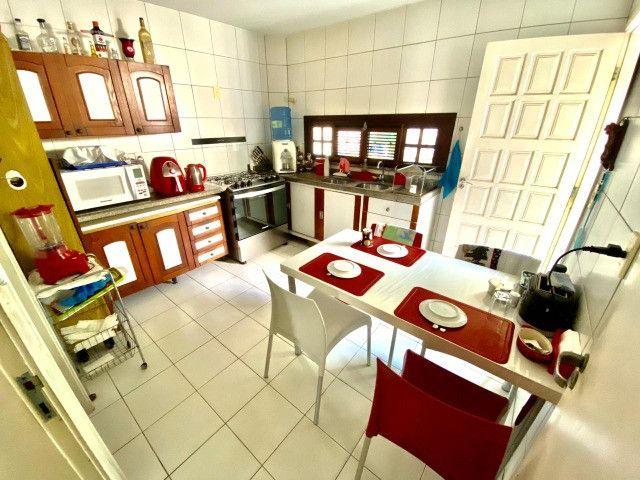 Duplex em condomínio com 4 quartos, lazer e ótima localização na sapiranga! - Foto 3