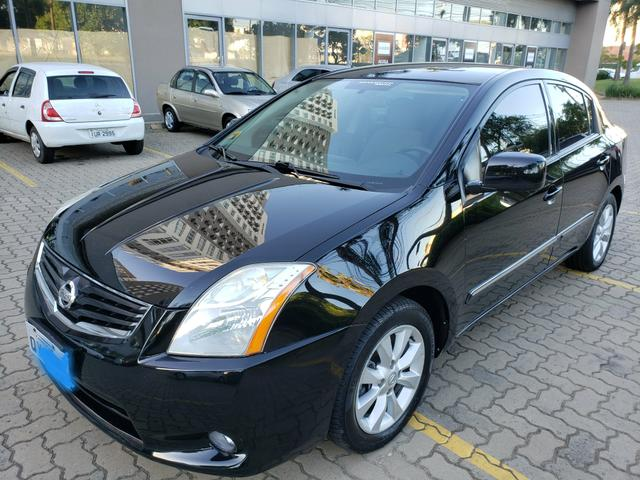 Nissan sentra (com gnv g5) automático ( finan.ent. 7 mil )aceito trocas - Foto 2