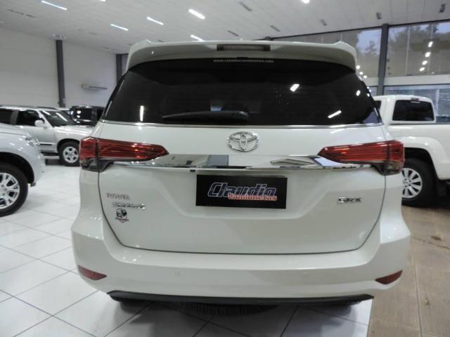 Toyota Hilux SW4 2.8 SRX 4X4 AUT. - Foto 7