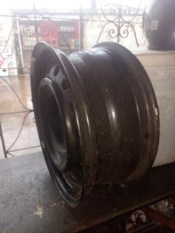 Vendo uma roda 50 reais - Foto 3