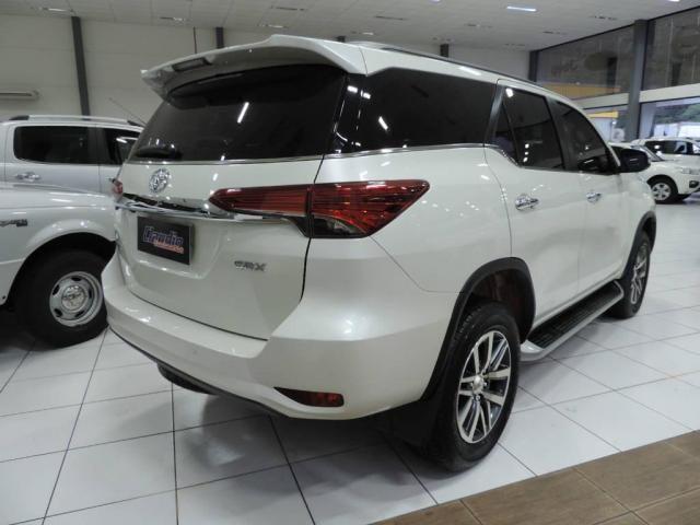 Toyota Hilux SW4 2.8 SRX 4X4 AUT. - Foto 6