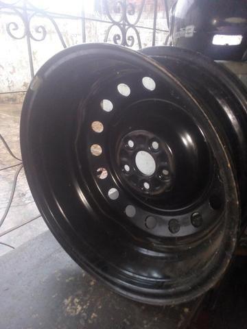 Vendo uma roda 50 reais - Foto 2