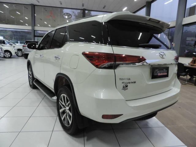 Toyota Hilux SW4 2.8 SRX 4X4 AUT. - Foto 5