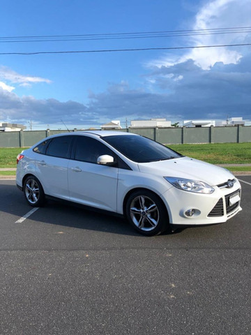 Ford Focus 2.0 Sedan Powershift
