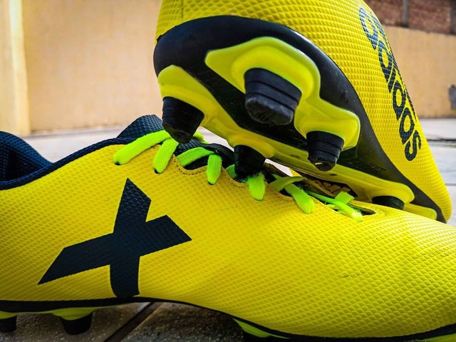 Chuteira Adidas X - Foto 2