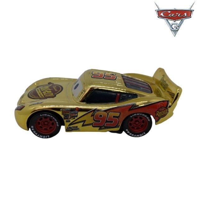 Mcqueen Dourado Filme Carros Disney Mattel Miniatura Mcqueen 1:55 - Foto 2