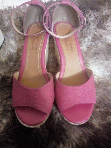 Sandália com Salto tamanho 35
