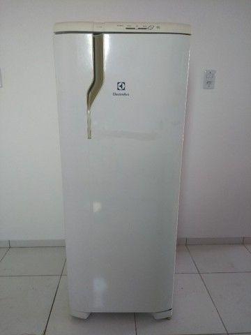 Vendo urgente geladeira - Foto 6