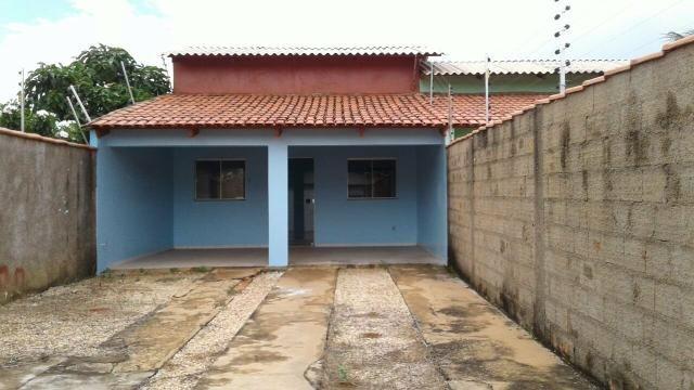 Alugo casa na E1106 Sul al 3 lote 12 tel (63)98456-0435