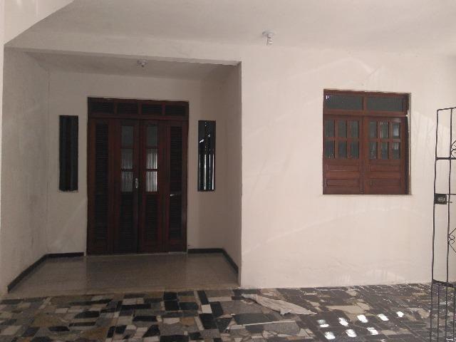 Aluga-se uma Excelente Casa no Pq. São Cristóvão, 3 quartos