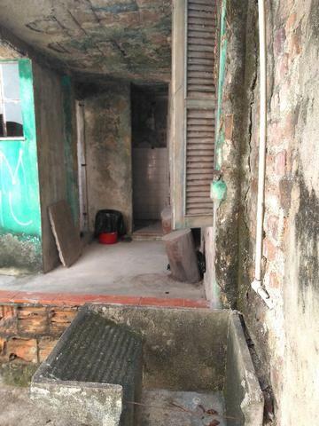 Terreno, com duas casas, 360m², na Avenida Roma em - Bonsucesso - Foto 2
