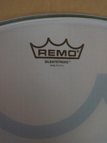 "Pele de bumbo Remo 22"" Silent ( Silentstroke ) - Foto 2"