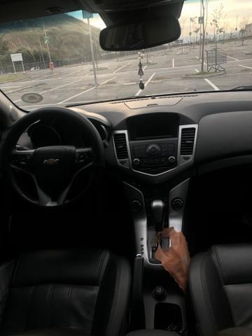 Vendo cruze LT, Gnv, automático banco de couro, carro está revisado, top - Foto 4