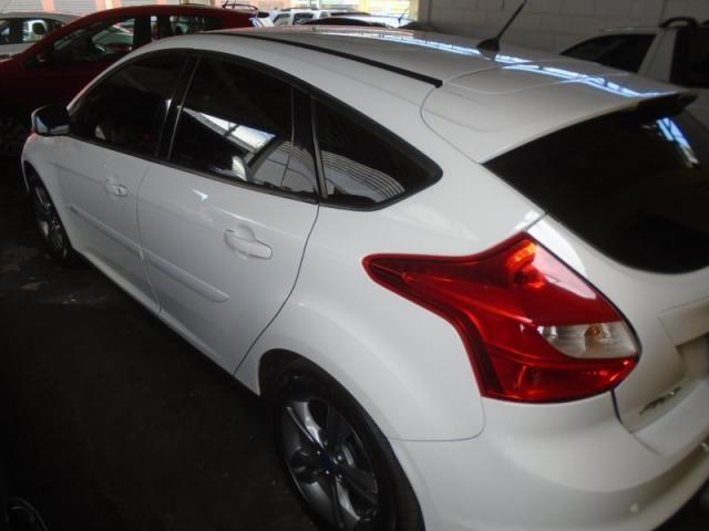 Ford Focus SE 1.6 Branco - Foto 2