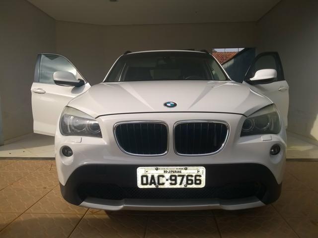 Vendo ou troco em carro de menor valor BMW X1 sdrive 2.0 18i 4x2 2011 completa