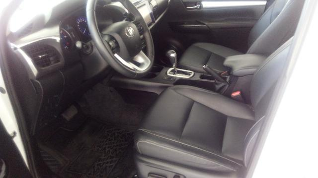 Hilux cd srv 4x4 diesel automática - Foto 12