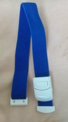 Vendo medidor de pressão e braçadeira - Foto 4