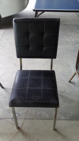 Cadeiras com base fixa