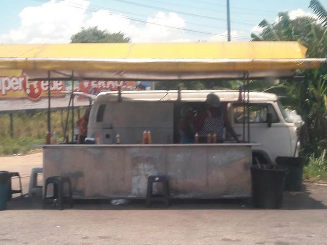 Kombi com barraca