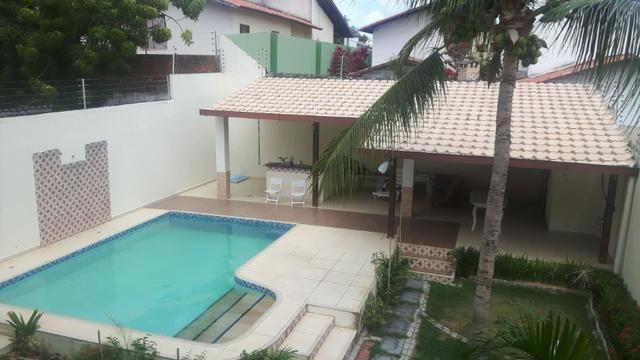 Casa no Bairro Sapiranga com 526 m² ,13 quartos,piscina e deck - Foto 8