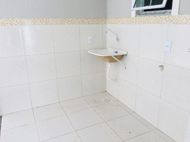 Linda casa com documentação gratis:fino acabamento, 3 quartos , 2 banheiros , 3 vagas - Foto 13