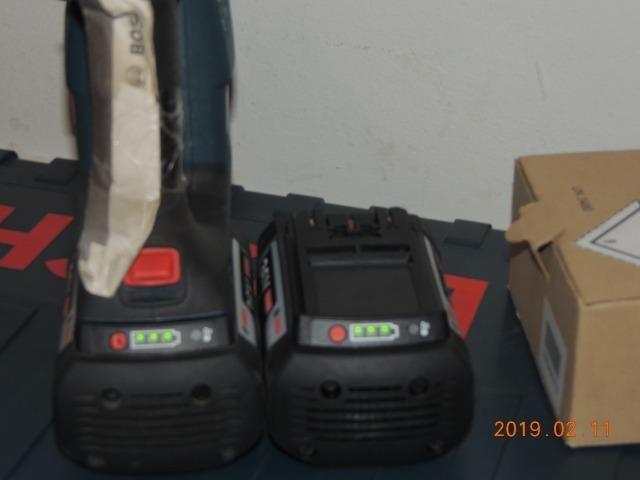 Martelete rotativo Bosch bateria 36 volts - Foto 6