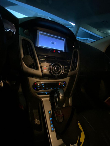 Ford Focus 2.0 Sedan Powershift - Foto 15