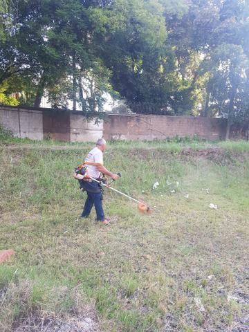 Corte de grama e limpeza de terreno - Foto 2