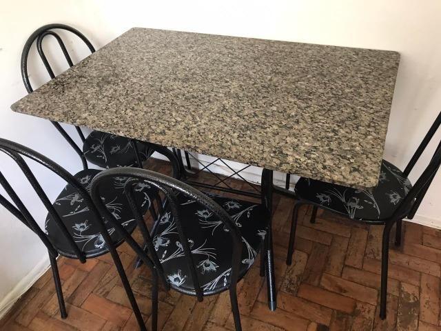 Conjunto Mesa Retangular com 4 Cadeiras Cadeiras