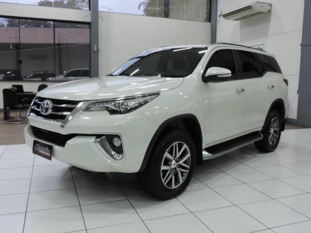Toyota Hilux SW4 2.8 SRX 4X4 AUT. - Foto 2