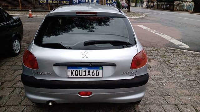 Peugeot 206 1.4 4p Completo Prata 2010 (S/ Entrada R$: 499,90) Financie Fácil - Foto 6