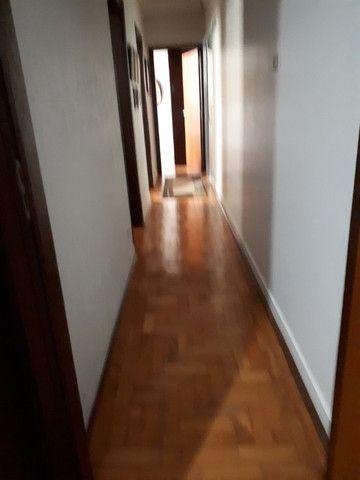 Casa - 303,5m² (área construída + terreno) - 3 quartos - Centro