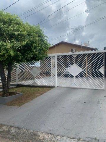 Casa de 3Q, 1 suíte, na Vila Jardim da Vitória, próximo ao Parque das Laranjeiras