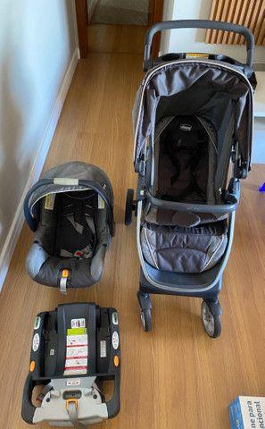 Carrinho e bebê conforto Chicco Bravo