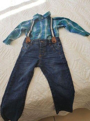 Calça jeans com suspensório e elástico  - Foto 3