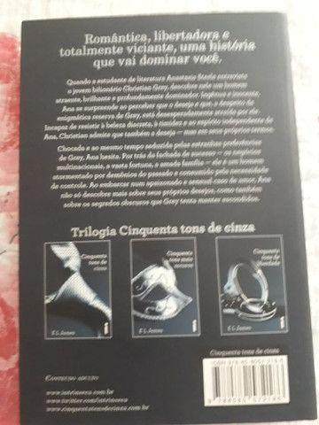Livro 50 Tons de Cinza  - Foto 2