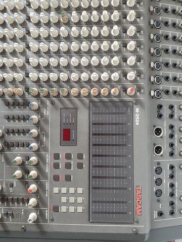Excelente mesa de som tascam usada M2524 - Foto 3