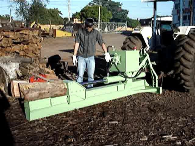 Rachador de lenha madeira tora vários modelos com motor elétrico trator tomada de força  - Foto 2