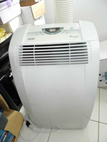 Vd/Tr Condicionador de Ar portátil, marca Delonghi, 12.000 btus, 110 Volts. semi-novo