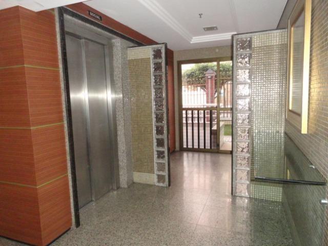 AP0295 - Apartamento 154 m², 02 quartos, 02 vagas, Ed. Victor VIII - Meireles - Foto 3