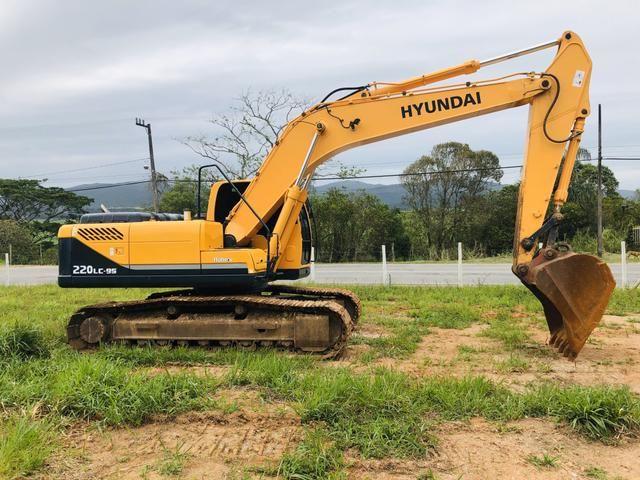 Escavadeira hyundai 220 lc-9s - Foto 6