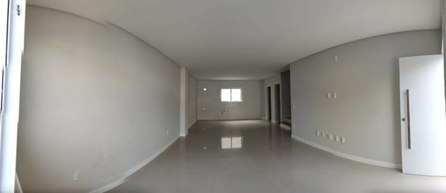 Aluga-se anual casa triplex no Centro de Balneário Camboriú/SC - Foto 4